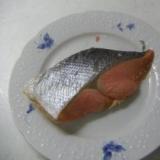 簡単☆鮭の加熱はチンして2分