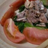 トマトほうれん草、秋刀魚缶のサラダ