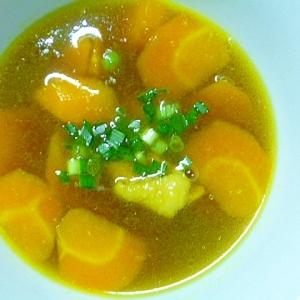 簡単♪とりもも肉とにんじんの和風カレースープ