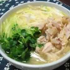 手羽元スープでコラーゲンにゅう麺