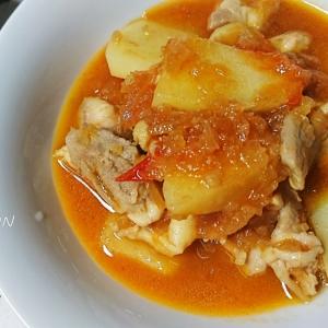 鶏とじゃがいものトマト照り煮