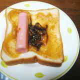 無花果ジャムと魚ニソとイカナゴのトースト