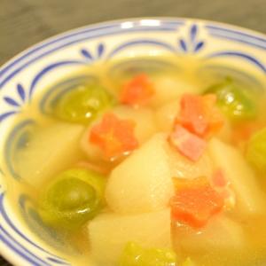 芽キャベツとかぶのコンソメスープ