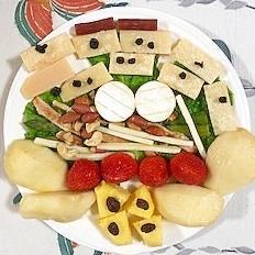 クリームチーズ、いちご、ラ・フランスのサラダ