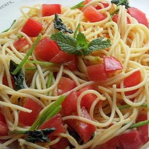 簡単イタリアっぽい❤アンチョビ&トマトのパスタ♪