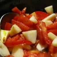 コドモメイド☆トマトとリンゴの梅酢サラダ
