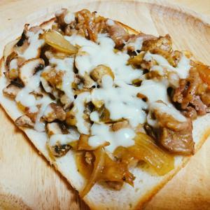豚肉とマッシュルームの照り焼きトースト