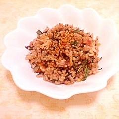 紫蘇&梅風味♪鮭フレークの玄米炒飯