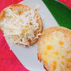 チーズとキャベツのマフィンサンド