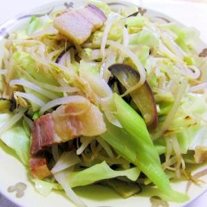 スーチカーで花椒塩味の野菜炒め