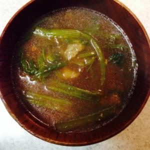 小松菜と揚げ玉のお味噌汁