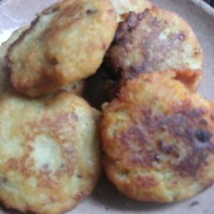 ジャガイモとパン粉の揚げバーグ
