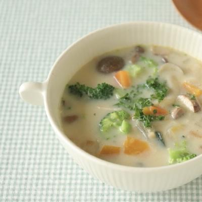 目指せ免疫力UP!きのこと野菜の豆乳スープレシピ【頑張りすぎない家族ごはん#5】