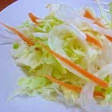 春キャベツ・新玉ねぎ・にんじんの生野菜サラダ♪