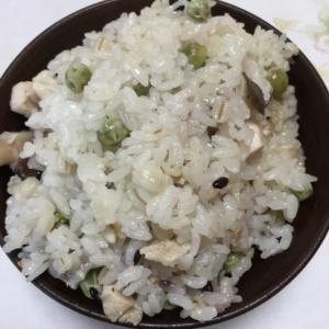 えんどう豆で炊き込みご飯