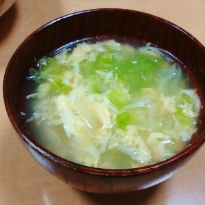 卵でまろやか♪キャベツの中華スープ