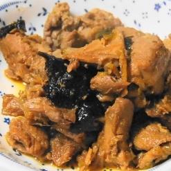 マグロの甘辛角煮