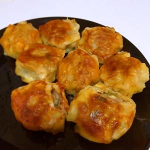 【簡単】合挽き肉で食べごたえ抜群!肉餃子