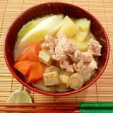 塩麹で旨味倍増☆鶏肉と根菜汁