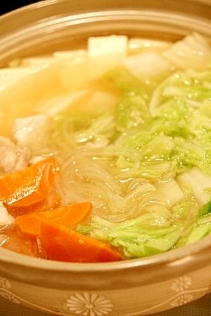 寒い日にほっこり♪白菜たっぷりお豆腐入り寄せ鍋