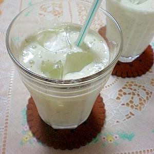 冷凍キウイで、とろ~りキウイミルクジュース☆