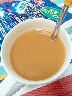 ダイエットに☆プロテイン&はったい粉のミルク紅茶♪ レシピ ...