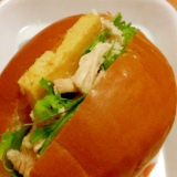 蒸し鶏とたまご焼きと水菜のサンドイッチ