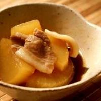 豚バラ肉と大根煮