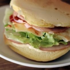 ホットケーキサンドイッチ