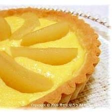 卵1個。桃のヨーグルトカスタードタルト