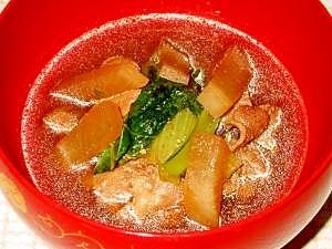 豚肉と野菜の汁物