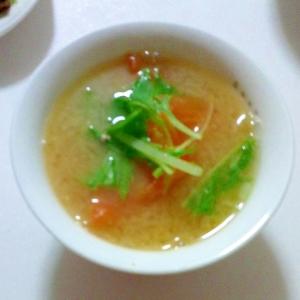 トマトと水菜の味噌汁