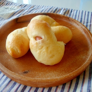 HBで☆ミニミニウインナーロールパン