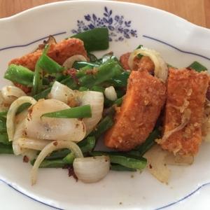 魚カツと野菜のカレー炒め
