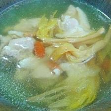 クコと金針菜のチキンスープ