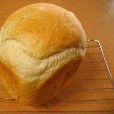 耳がカリカリのリーンな食パン