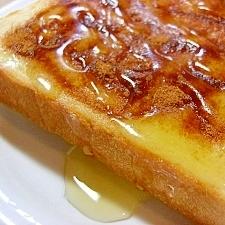 シナモンシュガーとはちみつのトースト