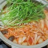 シャキシャキ水菜でキムチ鍋