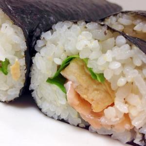サーモンのお刺身で☆サーモンと卵の巻き寿司