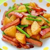 揚げじゃがいもと焼き豚にんにくの芽のオイスター炒め