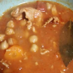 ひよこ豆の水煮缶を使ってトマトスープ♪