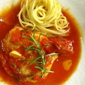 白身魚のトマト煮込み