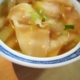 白菜とワンタンのスープ