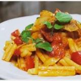 春キャベツとパンチェッタのトマトソースのパスタ
