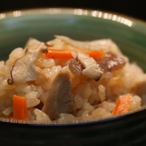 *土鍋で炊き込みご飯*
