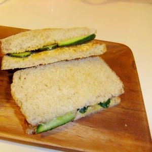 キュウリだけがおいしい!サンドイッチ
