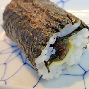 すしのこで チーズときゅーちゃんのミニ巻き寿司♬