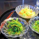 青菜とめかぶの和え物