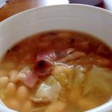 少ない材料で簡単!ベーコンとキャベツの大豆スープ