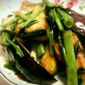 茄子と空芯菜の塩炒め